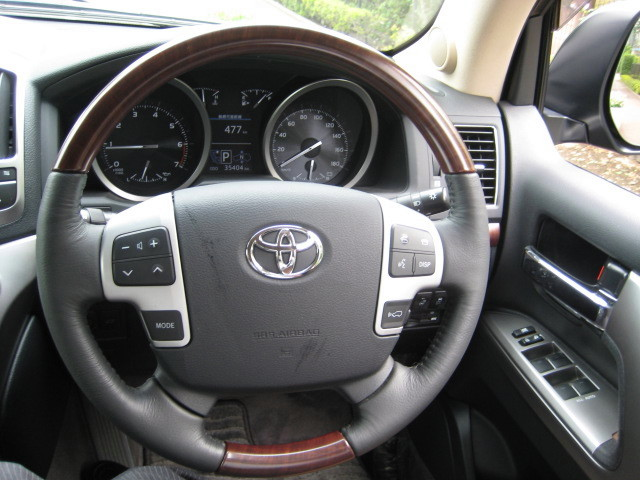 2015 TOYOTA LAND CRUISER ZX BRUNO CROSS 4WD