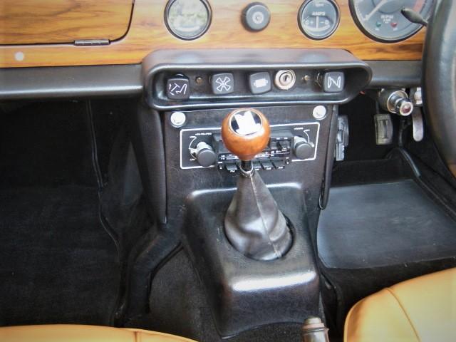 1970 Triumph TR6  Weber triple cab