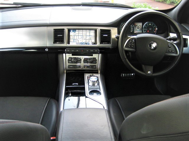 2015 Jaguar XF  2.0 R Sports Limited Edition