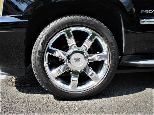 2010 Cadillac  ESCALADE AWD